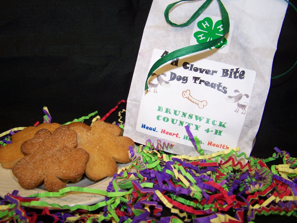 Clover Bite Dog Treats